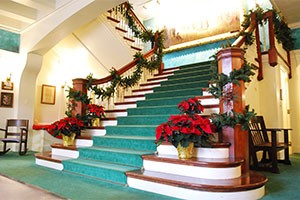 staircase-poinsettias